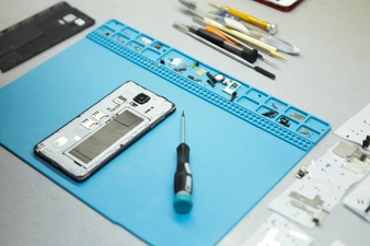Three Common Cell Phone Problems and How to Repair Them