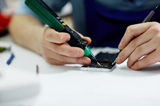 How to Choose a Local Cell Phone Repair Shop
